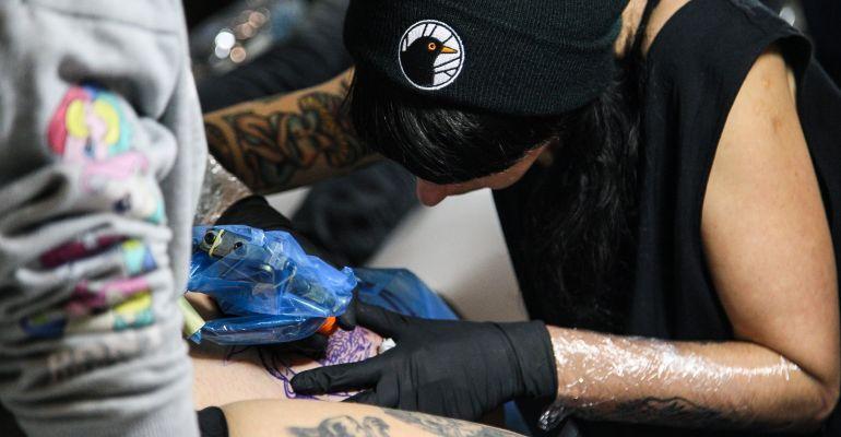 Tatuaże Zamiast Futra Dochód Z Imprezy Na Otwarte Klatki