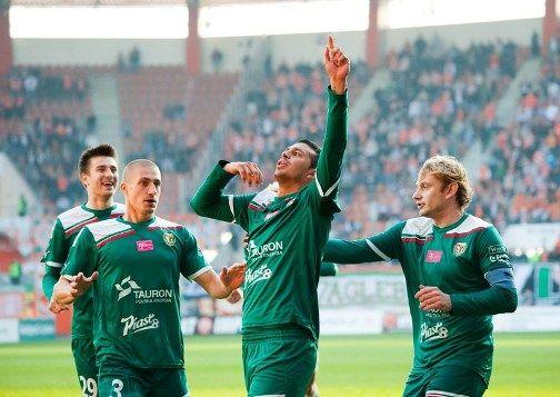 Piotr Celeban (drugi z lewej) wiosną na pewno będzie grał w Śląsku Wrocław
