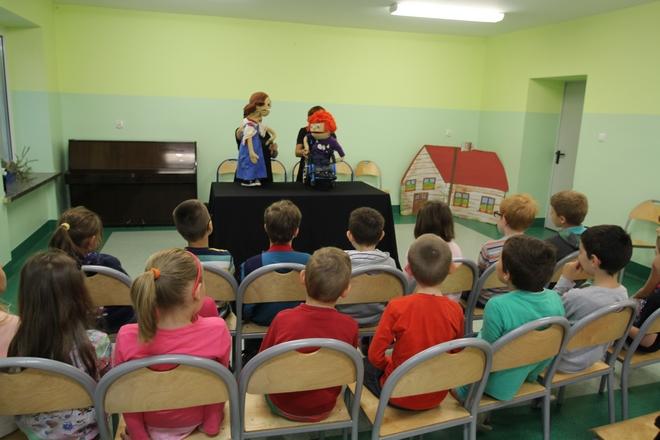"""Spotkania w ramach cyklu """"Razem zmieniamy świat"""" odbywają się we wrocławskich szkołach i przedszkolach"""