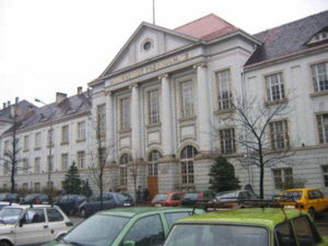 Gmach uczelni