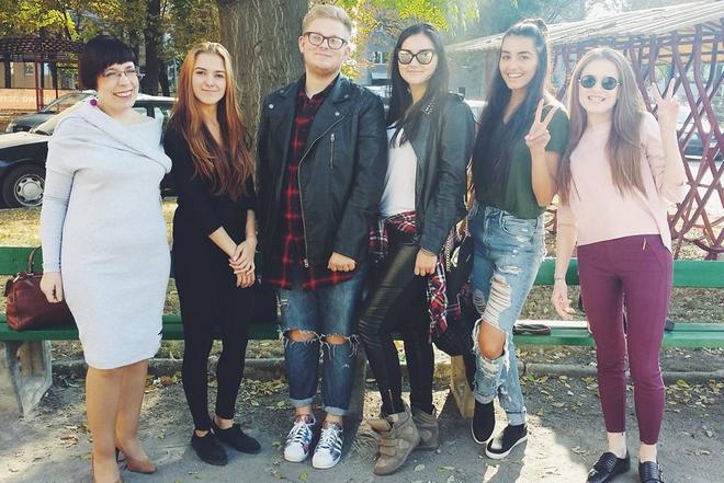 Studenci z Wrocławia stworzyli 100 kalendarzy, by pomóc rodzinie z Ukrainy