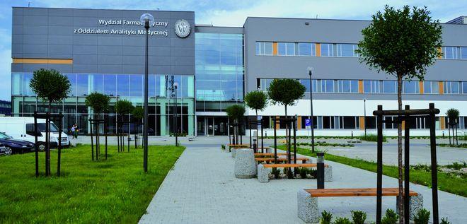 Wydział Farmaceutyczny z Oddziałem Analityki Medycznej