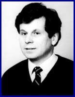 Profesor Janusz Mroczka.