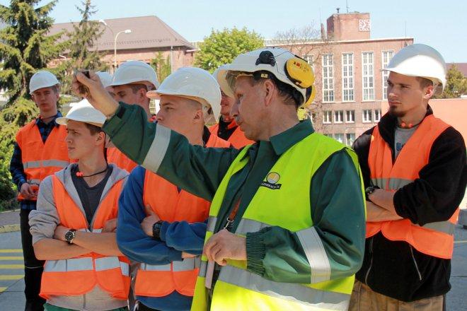 Uczniowie Technikum Energetycznego rozpoczęli miesięczne praktyki we wrocławskiej elektrociepłowni