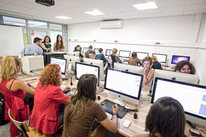 Uniwersytet SWPS czeka na studentów