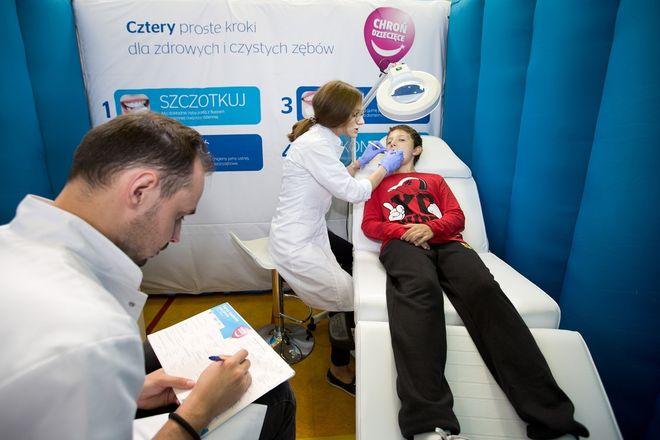 Dzieciaki muszą lepiej dbać o zdrowie jamy ustnej