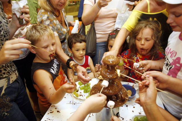 Młodzi Polacy jedzą stanowczo za dużo słodyczy.