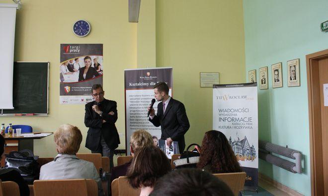 Debata ''Młodzi na dolnośląskim rynku pracy''.