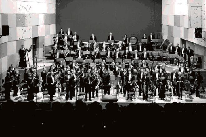 Benjamin Shwartz z Orkiestrą Symfoniczną podczas koncertu w Filharmonii Wrocławskiej 15.03.2013