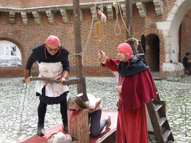 Pokaz egzekucji w wykonaniu kata