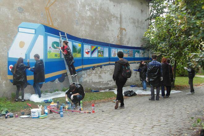 Mural powstał na ścianach Instytutu Studiów Międzynarodowych Uniwersytetu Wrocławskiego