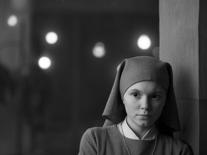 Kadr z filmu Ida. Na zdjęciu Agata Trzebuchowska