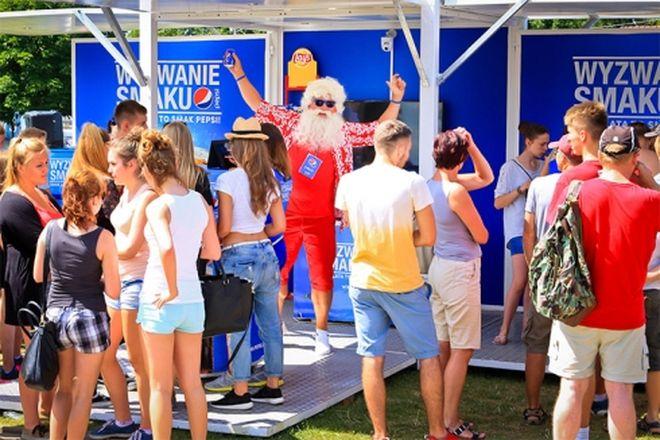 Mikołaj w te wakacje przemierza Polskę