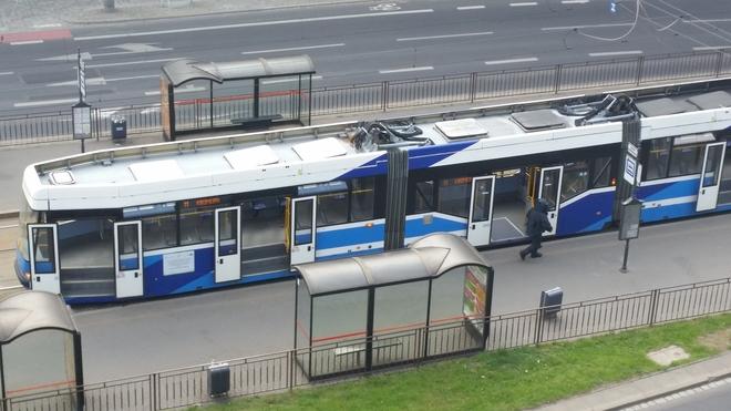 Zatrzymany tramwaj na Placu Dominikańskim