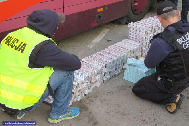 Policji udaje się walczyć z nielegalnym handlem tytoniem i papierosami