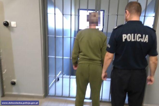 Napastnik trafił do aresztu