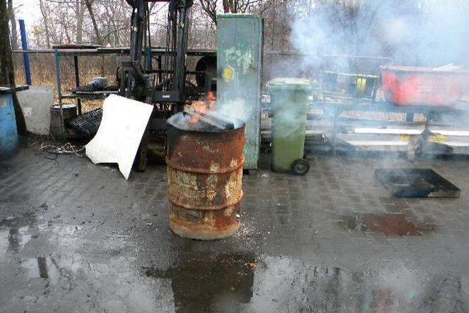 Strażnicy średnio dwa razy dziennie interweniują w sprawie nielegalnie spalanych odpadów