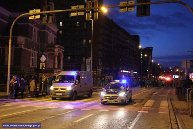 Policjanci zabezpieczali m.in. niedzielne pochody
