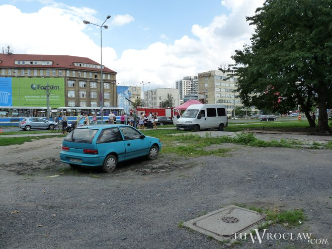 Przy ulicy Legnickiej - pomiędzy ulicami Nabycińską i Sokolniczą - mają pojawić się nowe inwestycje