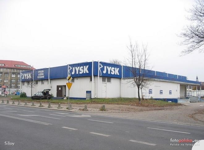 W miejscu byłego sklepu Jysk na ulicy Nabycińskiej ma stanąć budynek biurowo-usługowy