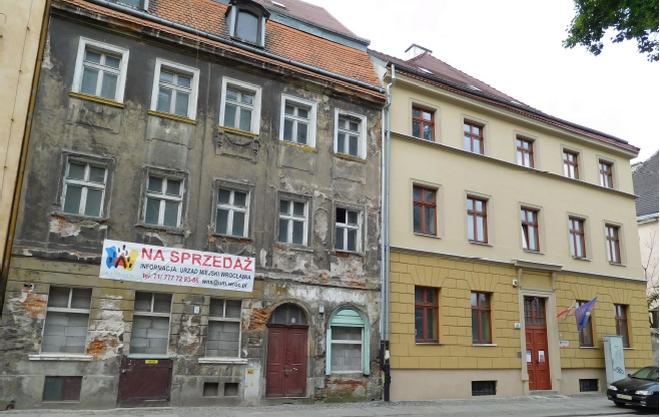Miasto sprzedało dwie kamienice przy ulicy Księcia Witolda