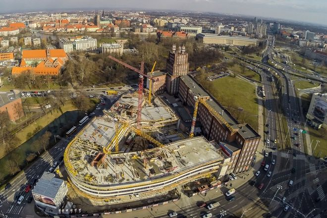 Budowa idzie pełną parą