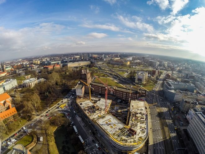 Trwa remont 150-metrowego odcinka ulicy Podwale między fosą miejską a OVO
