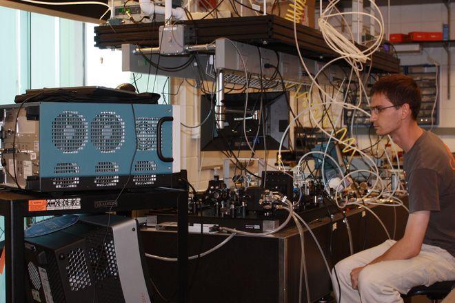 W 2012 roku Michał Nikodem dołączył do zespołu Departamentu Nanotechnologii Wrocławskiego Centrum Badań EIT+