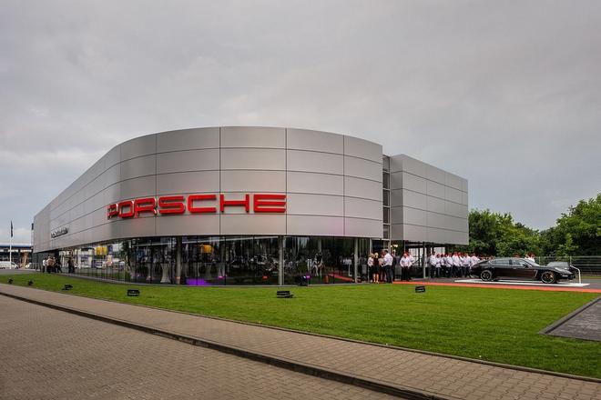 Pierwszy we Wrocławiu salon Porsche powstał przy al. Karkonoskiej
