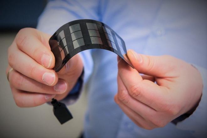 Saule Technologiesa właśnie zaprezentowała pierwszy prototyp modułu na bazie perowskitów, zasilający smartfony