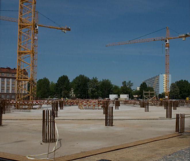 Początek budowy najwyższego budynku we Wrocławiu.
