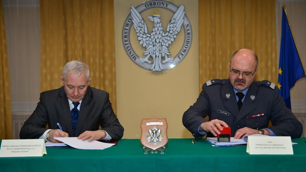 Pod koniec listopada Ministerstwo Obrony Narodowej podpisało z firmą Jelcz-Komponenty umowę na dostawę ciężarówek