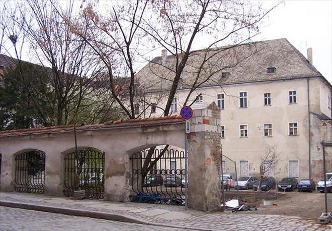 Miasto ponownie wystawiło na sprzedaż zabytkowy budynek przy ulicy Włodkowica