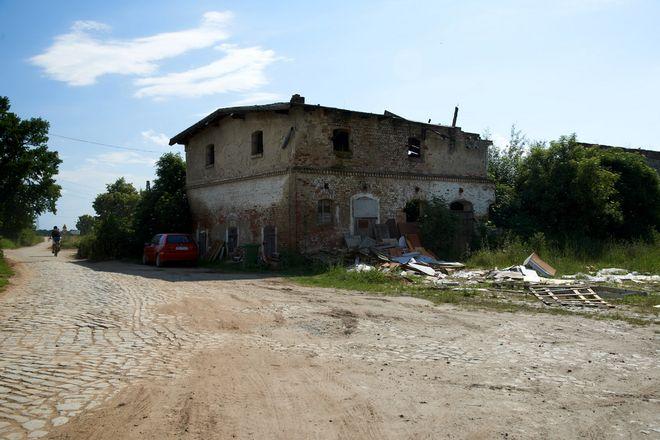 Droga transportu rolnego wiodąca przez Blizanowice od lat jest w opłakanym stanie