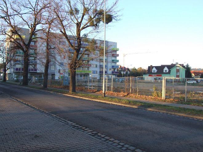 Na tej działce przy ulicy Jeździeckiej zaplanowano dwa nowe budynki
