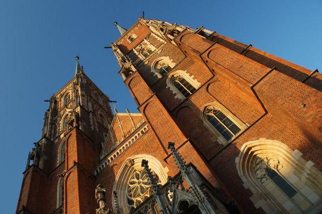 Osoby bezdomne i ubogie mogą się odświeżyć w rejonie wrocławskiej katedry