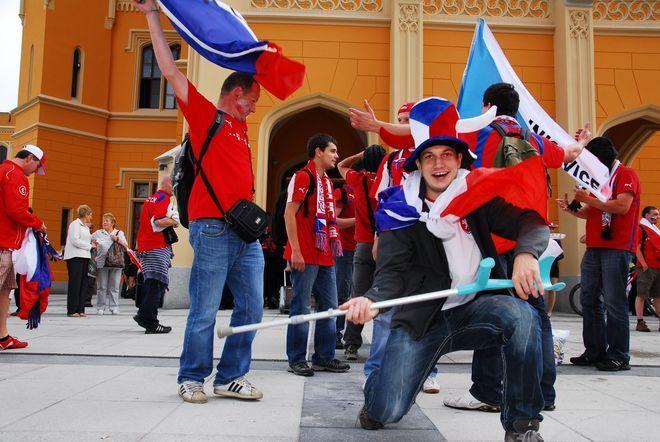 Fani z Czech koleją przyjeżdżali już na poprzednie mecze swojej kadry we Wrocławiu