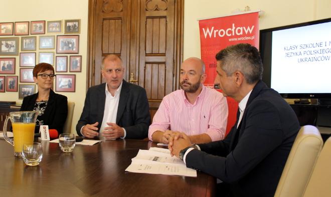 W czwartek, w ratuszu zaprezentowano projekty związane z nauką języka polskiego dla Ukraińców