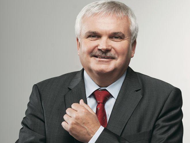 Profesor Cezary Madryas otrzymał 79 głosów elektorskich