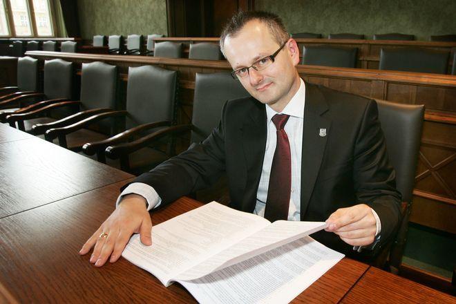 Autorem pomysłu zorganizowania w Rynku transmisji kanonizacji Jana Pawła II jest radny Rafał Czepil