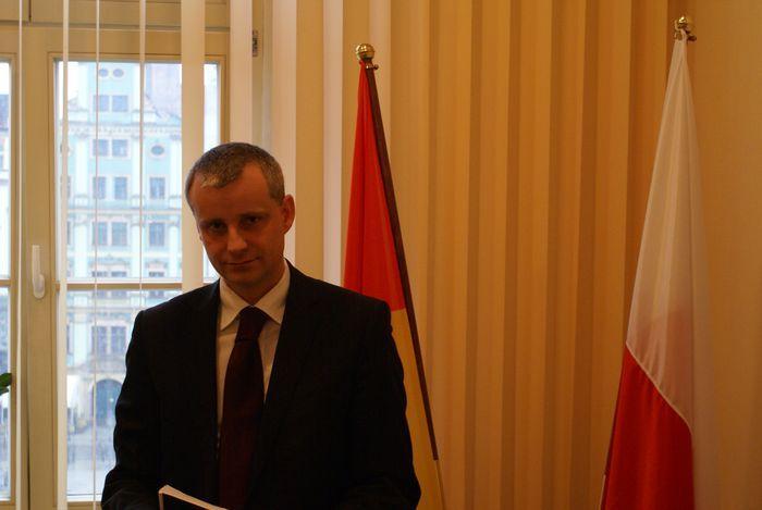 Poseł Piotr Babiarz interweniuje u prezydenta Wrocławia w sprawie awarii biletomatów