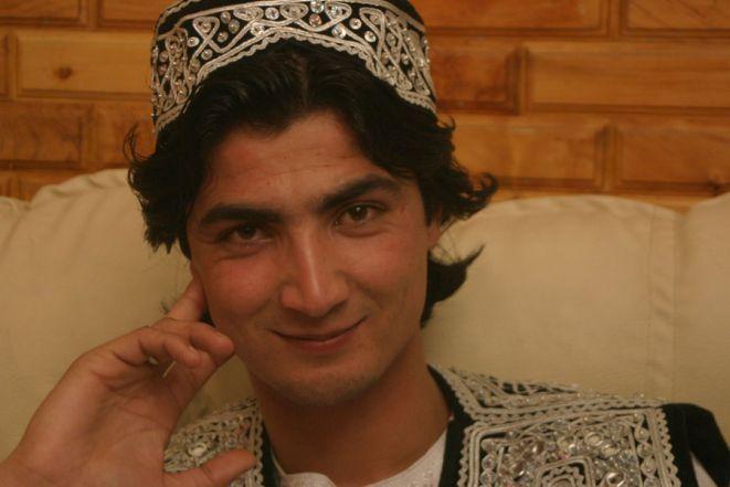 Kadr z filmu ''Afgański Idol'' w reżyserii Havany Marking.