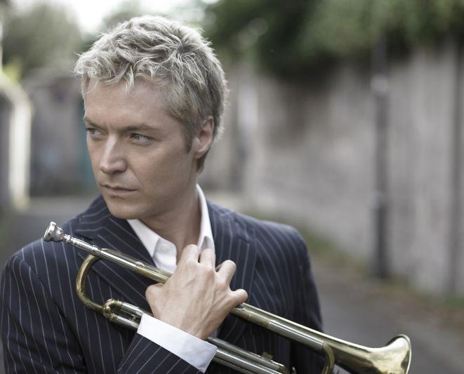 W ramach Ethno Jazz Festivalu w Hali Stulecia wystąpi wirtuoz trąbki - Chris Botti.