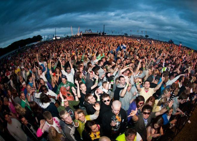 Tak bawili się fani muzyki elektronicznej na Creamfields 2009.