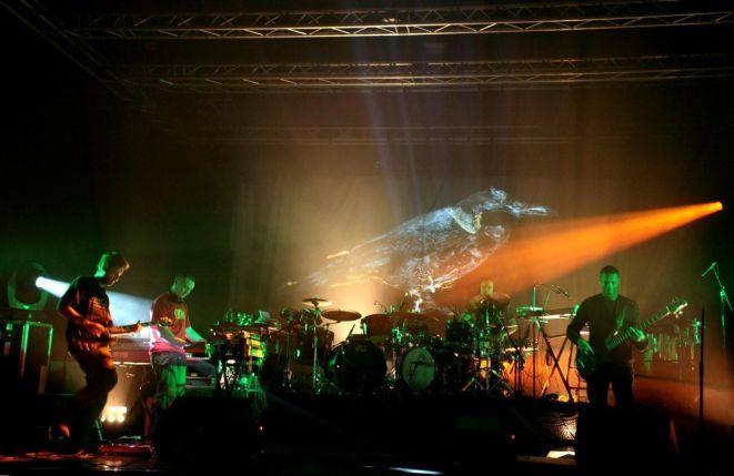 Multimedialny pokaz fontanny na Pergoli uświetni występ zespołu Ez3kiel.