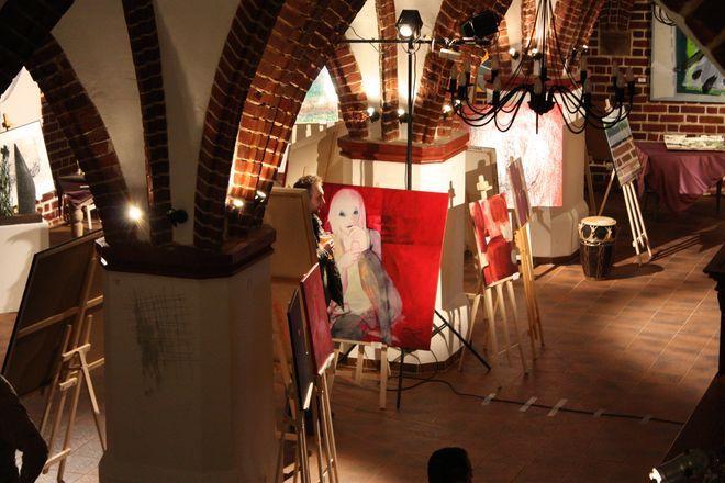 Wernisaż ''Sztuka dla Ciebie'' w restauracji Convivio.