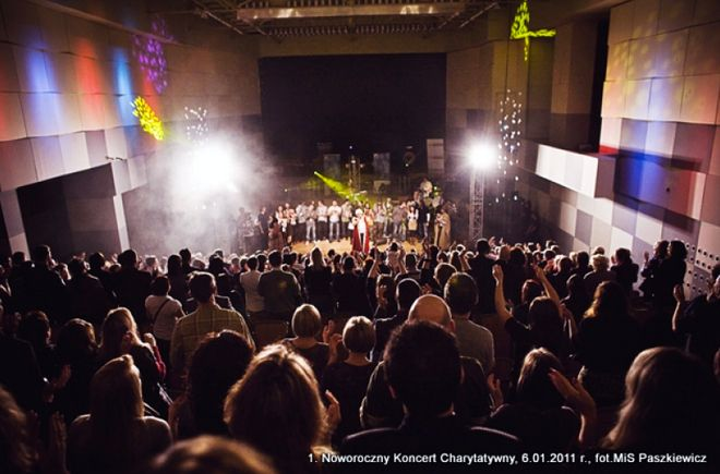To już drugi Noworoczny Koncert Charytatywny organizowany przez kabaret Neo-Nówka.