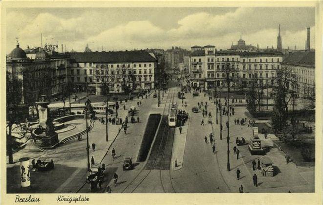 Pałac Królewski na starej pocztówce.