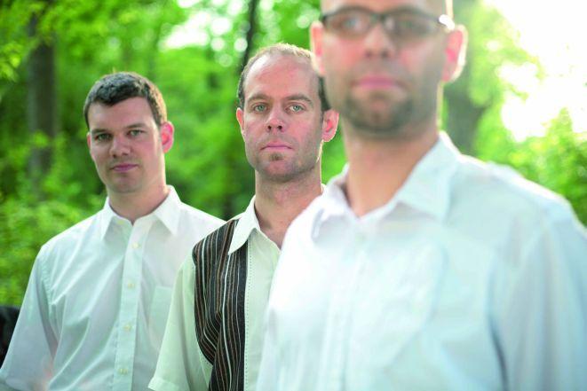 Trio Vein w składzie: Florian (perkusja) i Michael Arbenz (fortepian) oraz Thomas Lhas (kontrabas).