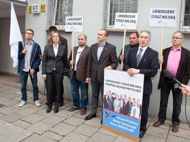 Pikieta odbyła się w poniedziałek przed siedzibą SM przy ulicy Gwarnej
